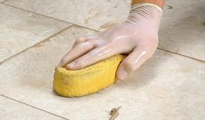 Шаг VII - Очистка поверхности плитки